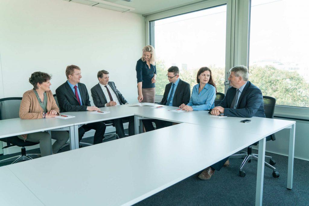 partner-casis-unternehmensgruppe-meeting