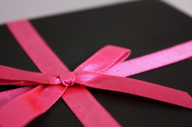 ordner-schwarz-schleife-pink